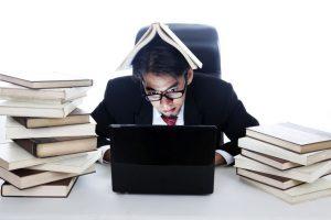 仕事と勉強を両立したいなら、勉強時間捻出より仕事時間削減を志向すべき